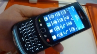 BlackBerry Torch 9800 slide-out keyboard