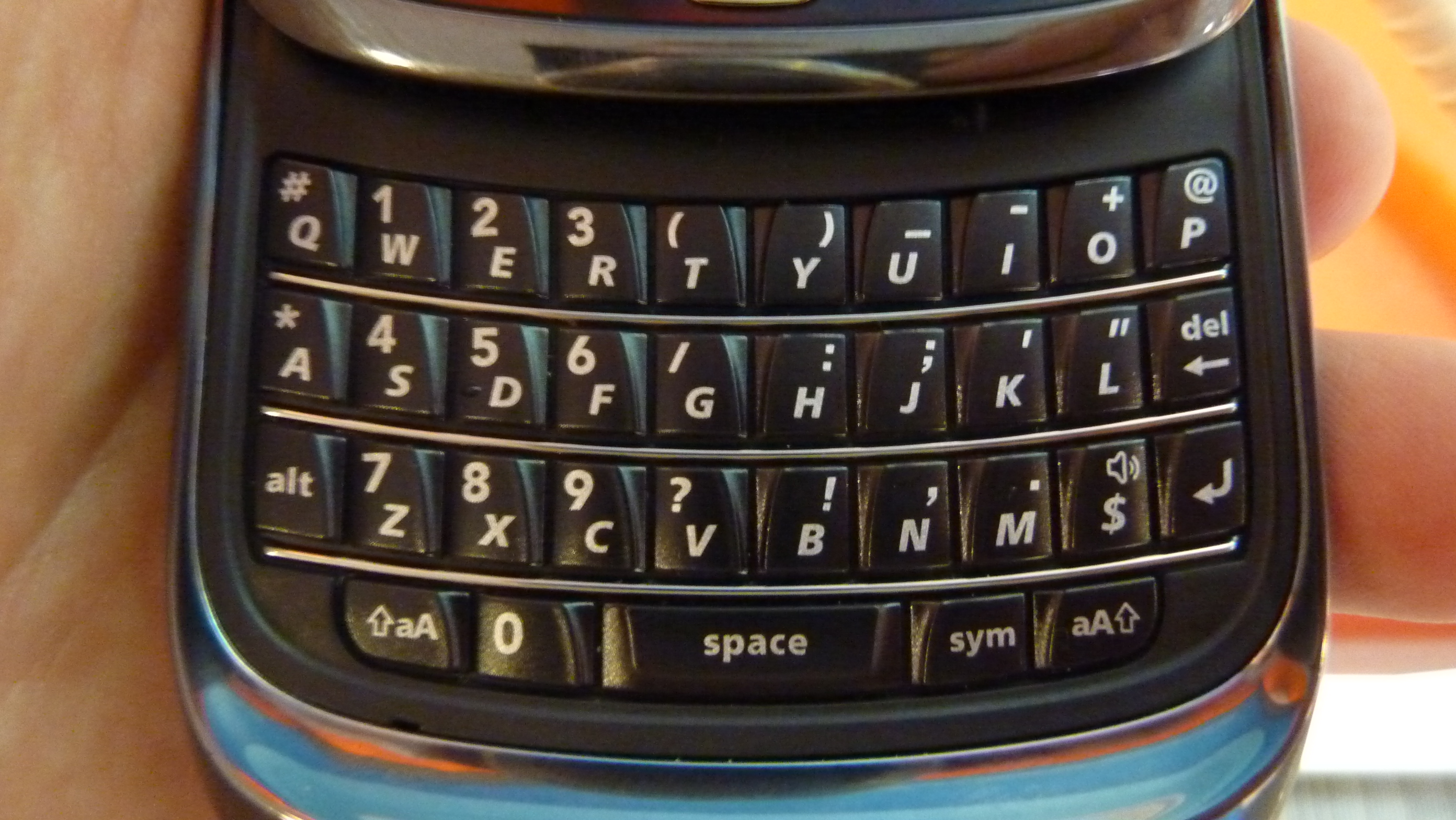 Hands-on with the BlackBerry Torch 9800 « TheONbutton Durham